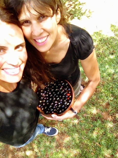 Fruit picking besties