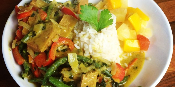 Vegan green seitan curry